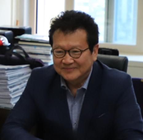 성풍현 교수님_.JPG